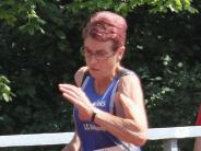Leichtathletik: Aichacherin Christl zeigt es den Jüngeren