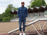 Fußball: Das Knie zwingt ihn in die Knie