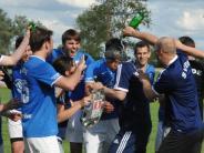 Fußball: Der FC Mertingen feiert den Retter aus Mailand