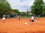 Tennis: Viele Aktivitäten auf dem roten Sand