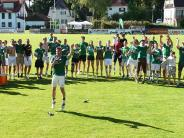 Fußball-Relegation: Am Boden zerstört und im Glücksrausch