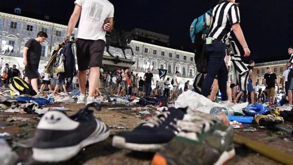 Massenpanik bei Public Viewing in Turin