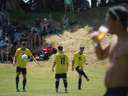 Fußball: Stetten besiegt Stetten in Stetten