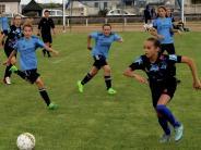 Mädchenfußball: Fußballspielen und Feiern in der Partnerstadt