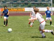 Jugend-Fußball: In Kissing geht's heiß her