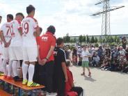 FC Augsburg: Wer heute fotografiert wird, muss nicht im Kader bleiben