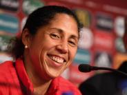 Frauenfußball: Trotz Misserfolg bei der EM: Steffi Jones bleibt Bundestrainerin