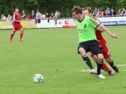 Fußball-Kreisliga Nord: Aufsteiger schlägt Absteiger vor großer Kulisse