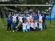 Jugendfußball: Ein Pokal für jeden Kicker