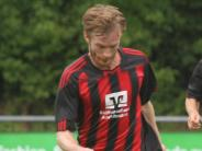 Fußball-Bezirksliga: Dem Favoriten ein Bein stellen