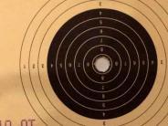 Schießen-Rundenwettkämpfe: Trefferbilder nahe an der Perfektion