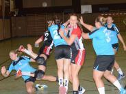 Handball, Bezirksoberliga : Zum Auftakt ging's nicht gerade zimperlich zu