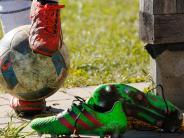 Fußball: Endlich die Beine hochlegen