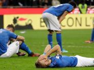 Fußball: So sehen italienische Fans im Kreis das WM-Aus