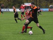 Fußball-Bezirksliga: Ecknacher Experimente beim Tabellenführer