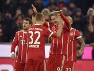 Bundesliga: Immer wieder Lewandowski:Bayern feiern ihren Torjäger