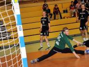 Handball: Zähes Ringen statt freier Wurfbahn
