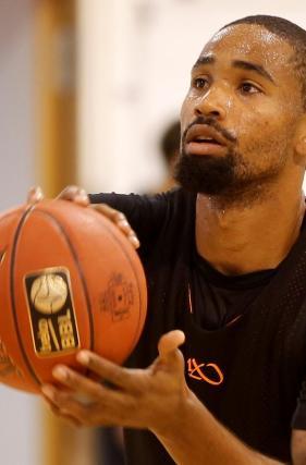 Basketball Ein Test Ohne Neumann Und Brown Lokalsport