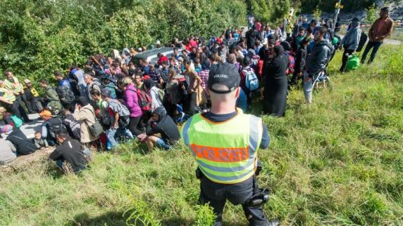 Flüchtlingskrise: Bayern will Flüchtlinge an Grenze abweisen - Wien kündigt Reaktion an