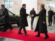 """Türkei-Besuch: Merkel zeigt sich """"entsetzt"""" über Bombardierung in Syrien"""