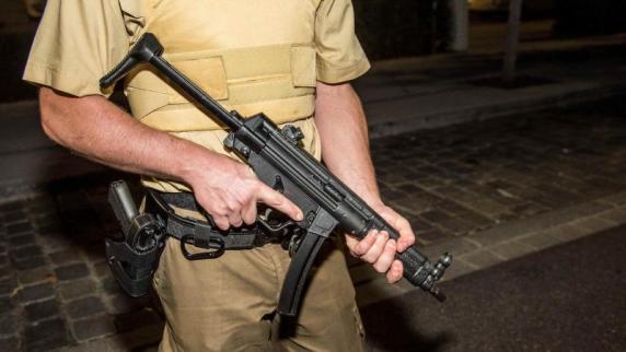 München: Pasing: Polizei räumt Bahnhof und Arcaden nach Warnanruf