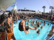 Tourismus: Ein bisschen Frieden: Feiern auf einer Full Metal Cruise