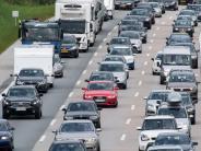 A8: Es krachte neunmal: 28 Autos an Unfällen auf der A8 beteiligt