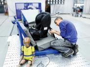 Sicherheit im Verkehr: Kindersitze im Test: Mehr als die Hälfte sind «gut»