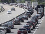 Prognose fürs Wochenende: Staus und Stillstand in der ganzen Republik