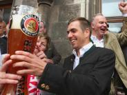 """Fußball-EM 2016: Lahm freut sich auf EM: """"Grill anschmeißen und Bierchen trinken"""""""