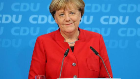 Leichte Sprache: Angela Merkel will noch einmal Bundes-Kanzlerin werden