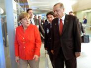 Zoff um Incirlik: Krisengespräch mit Merkel: Erdogan schaltet weiter auf stur