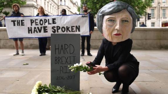 Nordirische Unionisten beginnen Gespräche mit britischen Tories