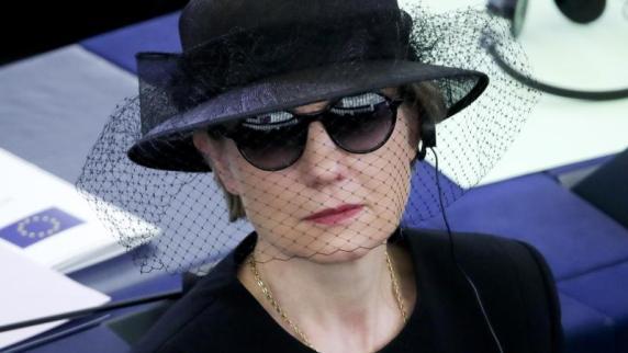 Kohls Witwe ist Alleinerbin