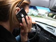 Härtere Sanktionen: Handy-Verbot am Steuer wird verschärft