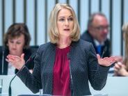 Debatte über SPD-Führung: Schwesig verbittet sich Kritik von SPD-Altvorderen