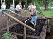 Gartenfreunde: Die zarte Flora im Moor erkundet