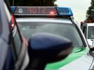 Polizei-Report: Unbekannter fährt zwei Autos an