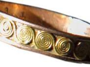 Dillingen: Dieb stiehlt einer Seniorin Goldringe