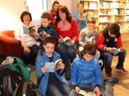 Run auf Literatur in Wertingen: Bücher-Tornado am Marktplatz