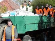 Buttenwiesen: Spende von vier Tonnen Altpapier