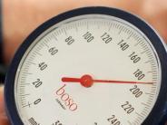 Aktion: Lesertelefon: Was hilft bei Bluthochdruck?