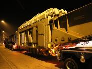 Dillingen: Auto prallt in Zugfahrzeug eines Schwertransports