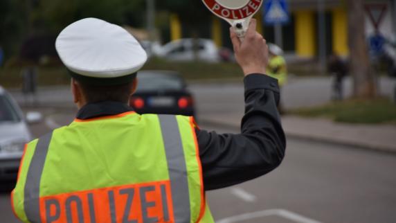 Schwenningen/Gundelfingen: Zwei Verkehrskontrollen, viele Vergehen