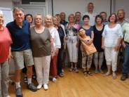 Thema Soforthife in Wertingen: Hand aufs Herz – Senioren üben die Wiederbelebung