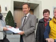 : Fast alle Prettelshofener unterschreiben für einen Radweg