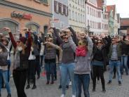Flashmob in der Kreisstadt: Dillingen tanzt