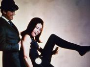 """Kultserie: 50 Jahre """"Mit Schirm, Charme und Melone"""": Gentleman und Lady in Leder"""