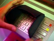 Landkreis Augsburg: Diebesbande räumt mit EC-Karten Bankkonten leer
