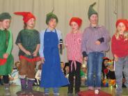 Märchenabend: Kinder verzaubern ihre Lehrer und Eltern